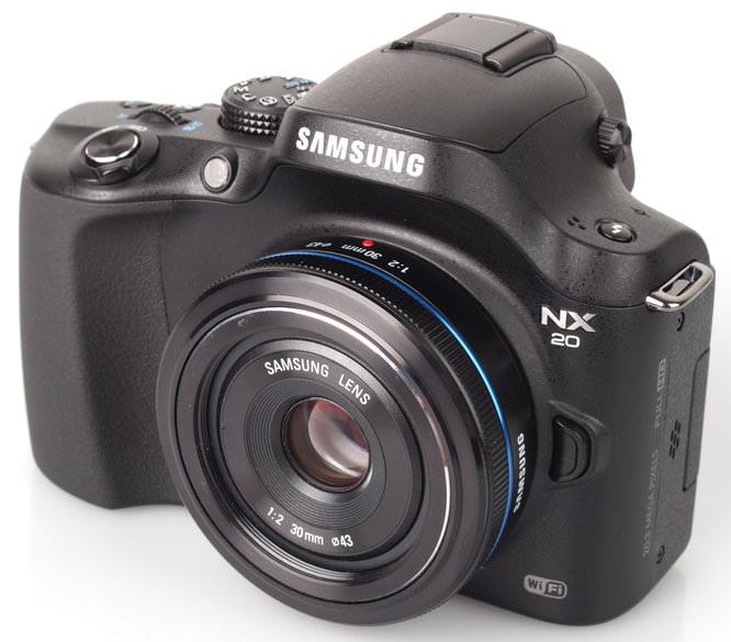 Samsung 30mm Pancake Lens With Samsung Nx20