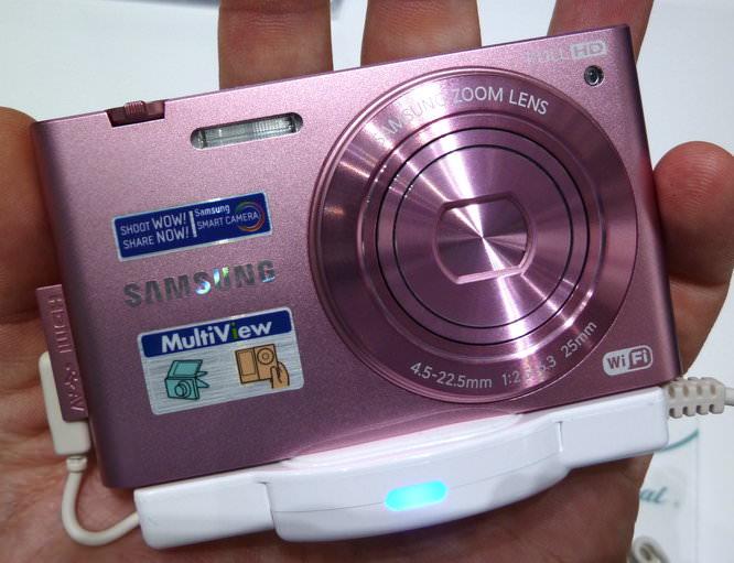 Samsung Mv900f Hands On Pink (1)