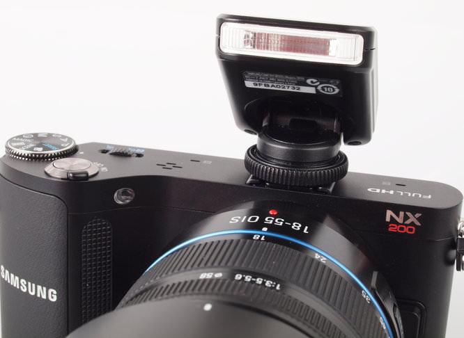 Samsung NX200 Pop-Up Flash