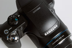 Samsung WB5000 top view