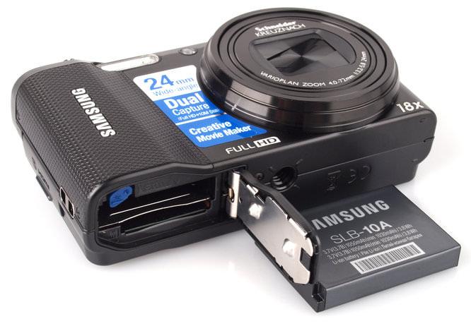Samsung WB750 Bottom