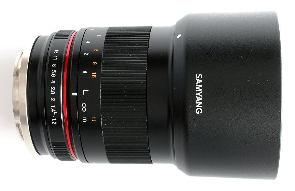 Samyang 50mm F1,2 With Hood