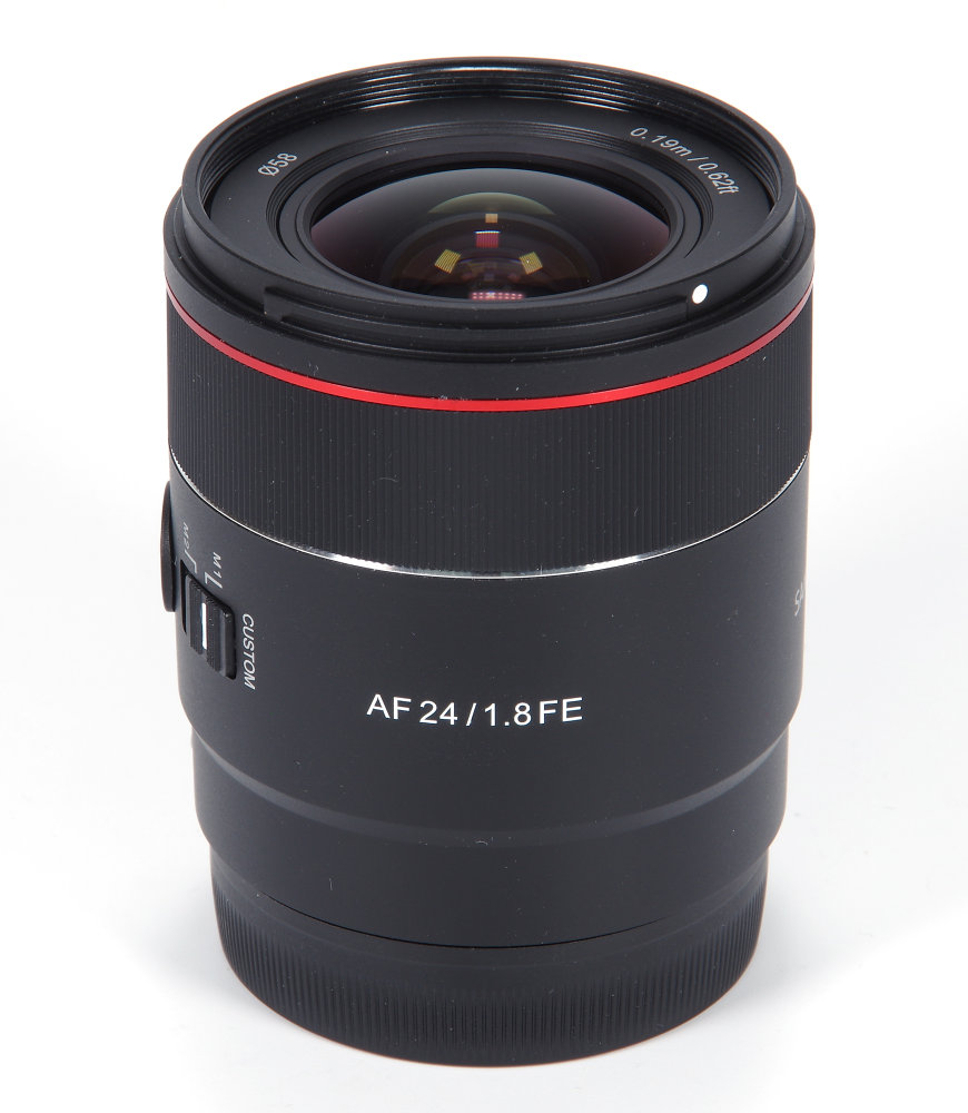Samyang AF 24mm F1,8FE Vertical View