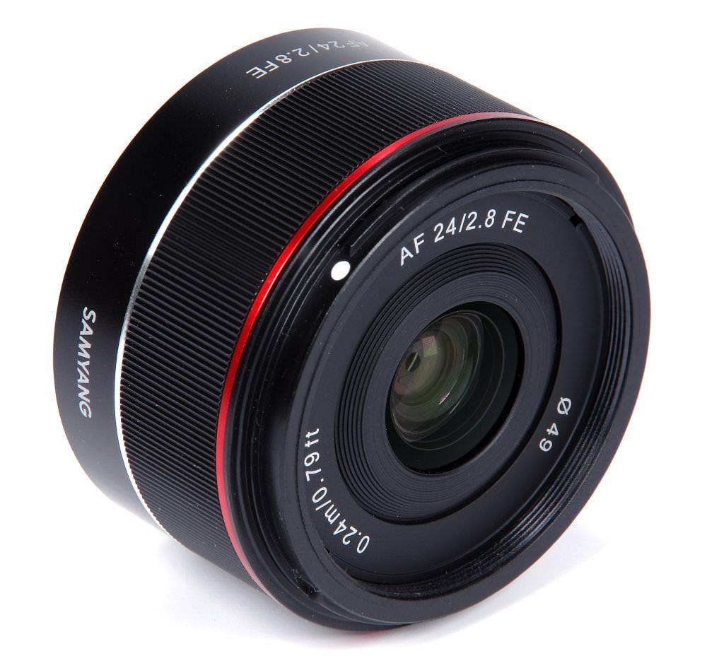Samyang Af 24mm F2,8 Fe Front Oblique View
