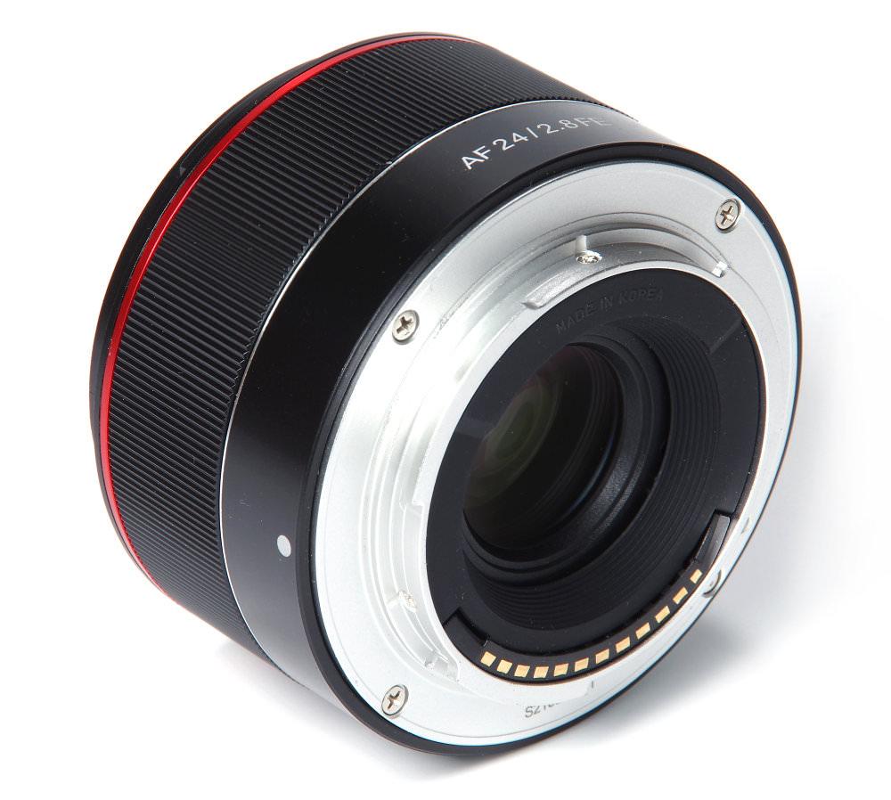 Samyang Af 24mm F2,8 Fe Rear Oblique View