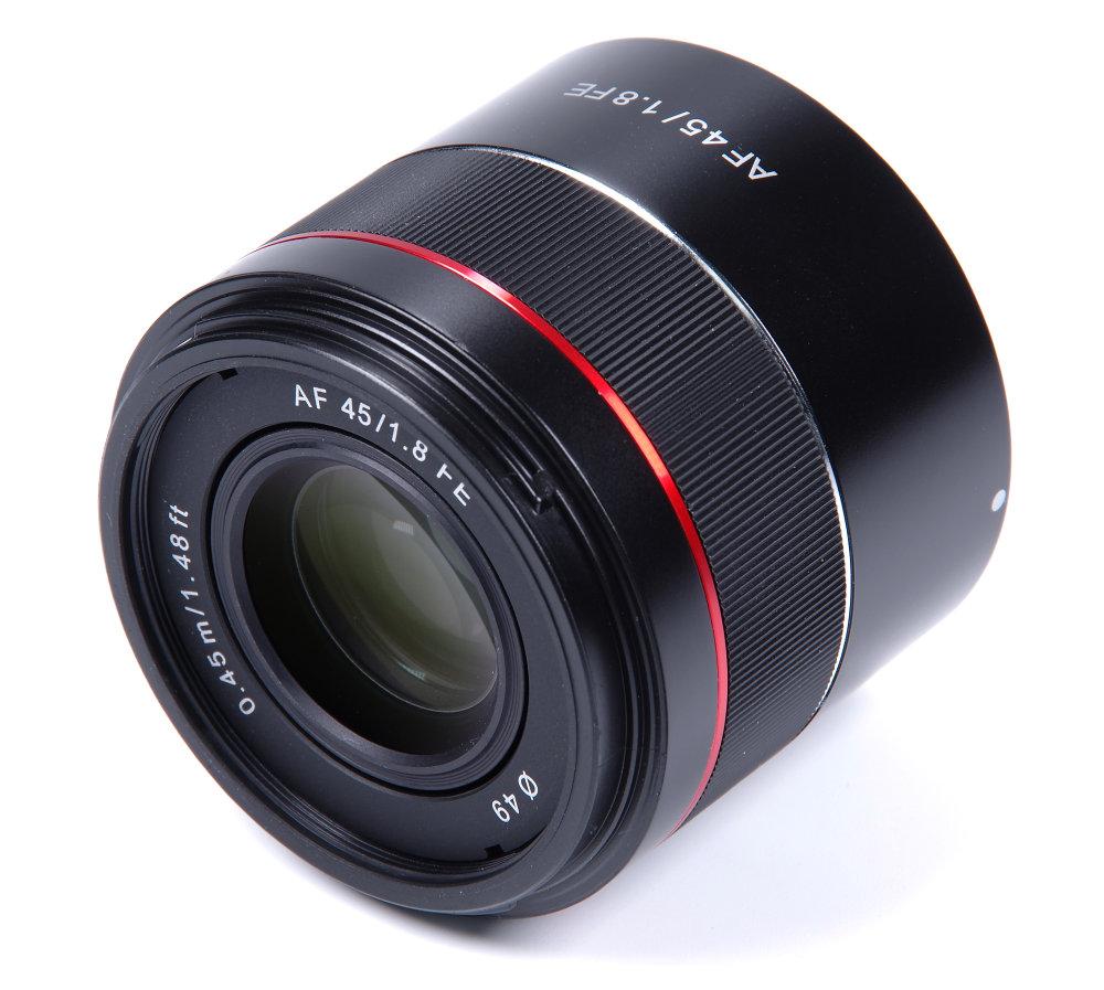 Samyang Af 45mm F1,8 Fe Front Oblique View