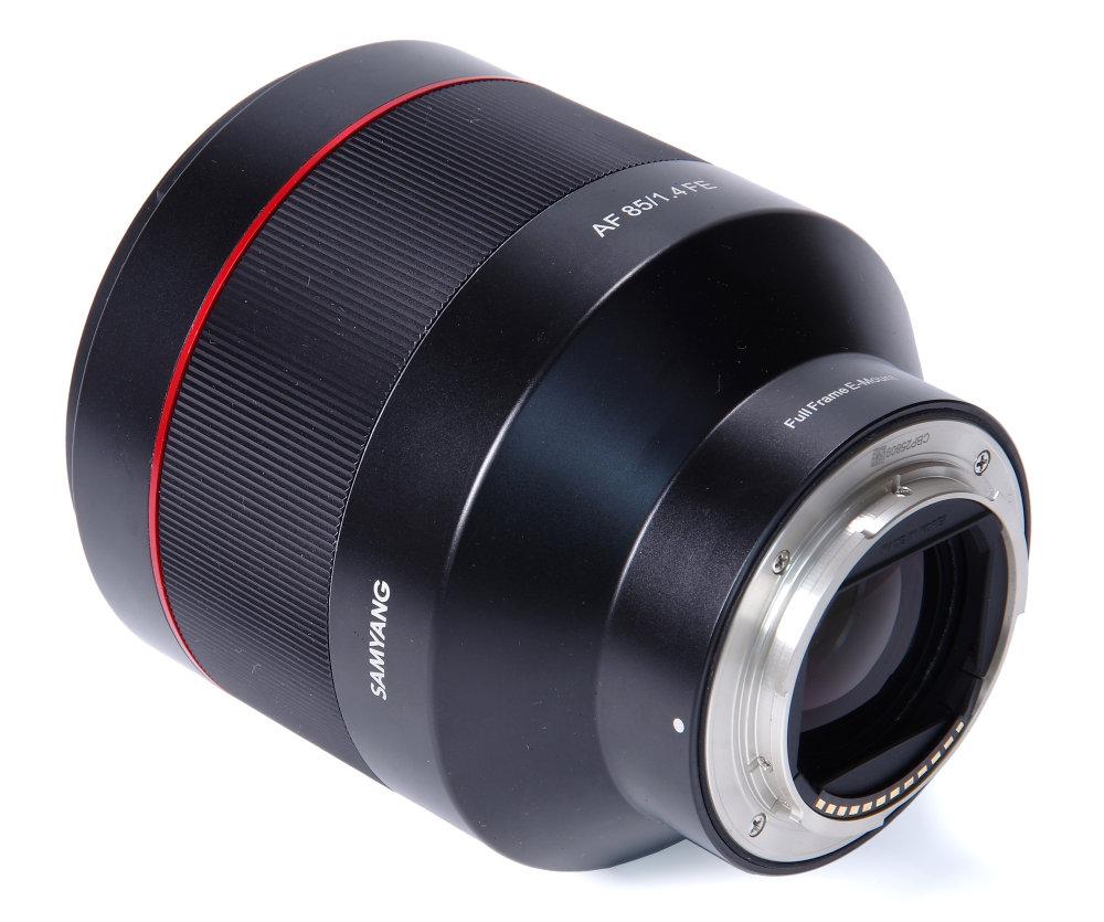 Samyang Af 85mm F1,4 Rear Oblique View