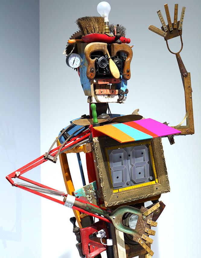 Canon Recycles Robot