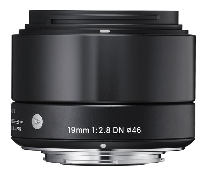19mm f/2.8 DN
