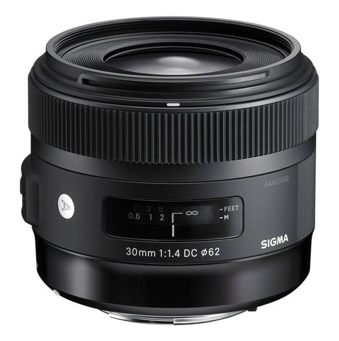 30mm f/1.4 DC