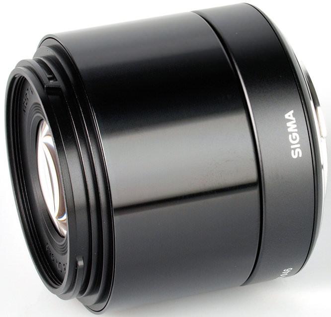 Sigma 60mm f/2.8 DN 5