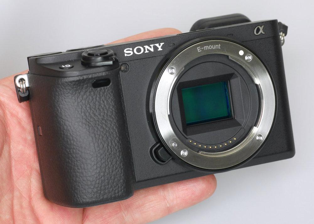 Sony Alpha A6400 (12)