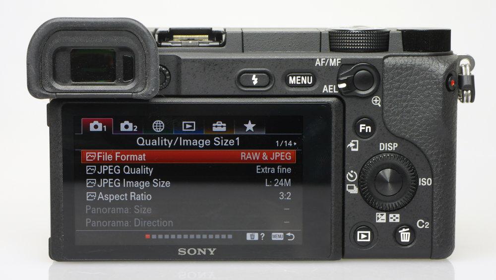 Sony Alpha A6400 (13)