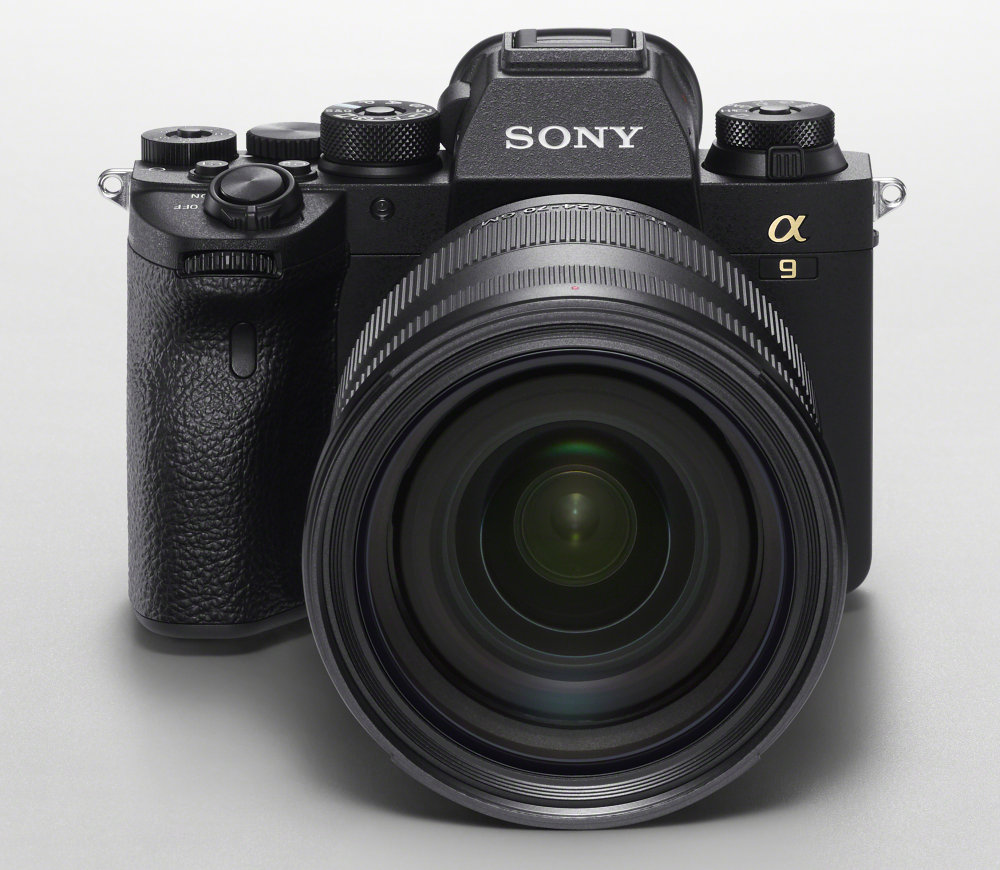 Sony Alpha9II SEL2470GM Front Top Image WH (1)