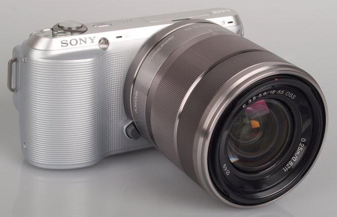 Sony NEX-C3 Front