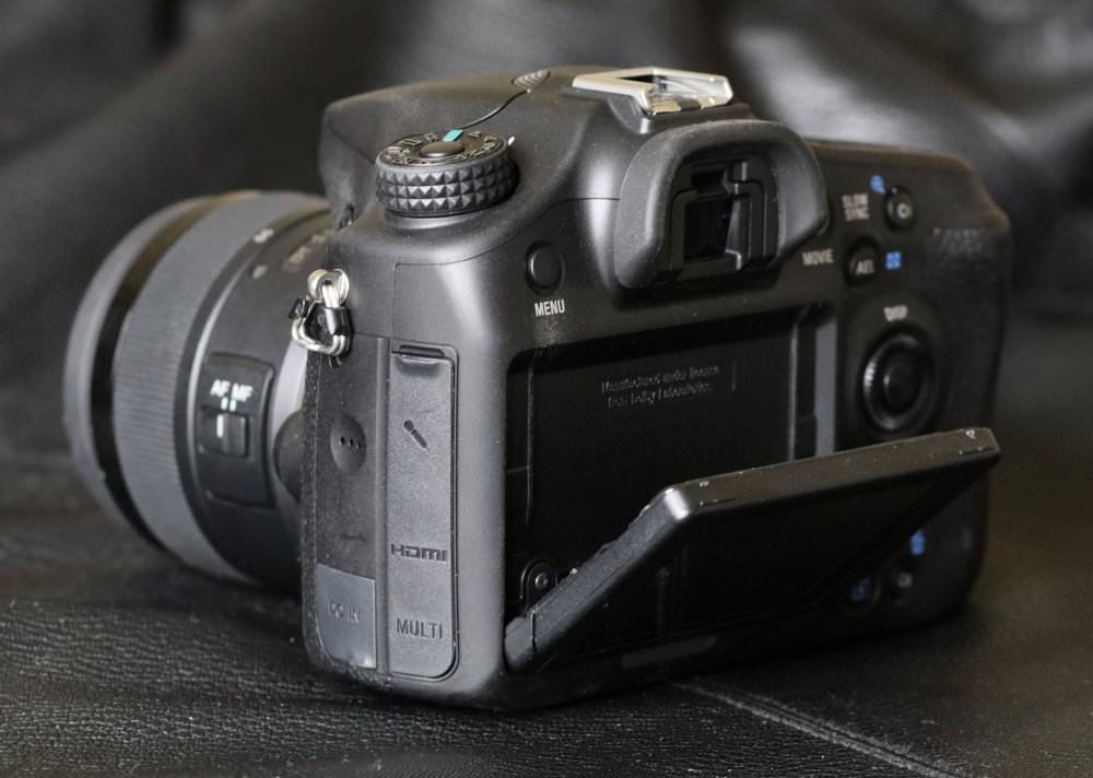 Sony Alpha A68 SLT (8)