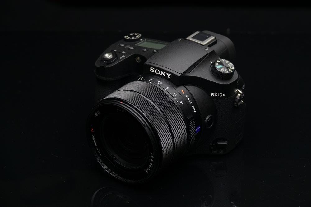 Sony Cyber Shot RX10 M3 Low Key DSC08890 | 1/250 sec | f/4.0 | 47.9 mm | ISO 160