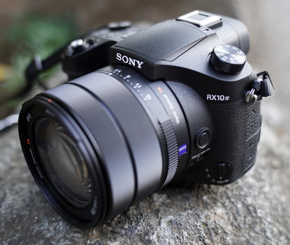 Sony RX10 Mark IV (1)