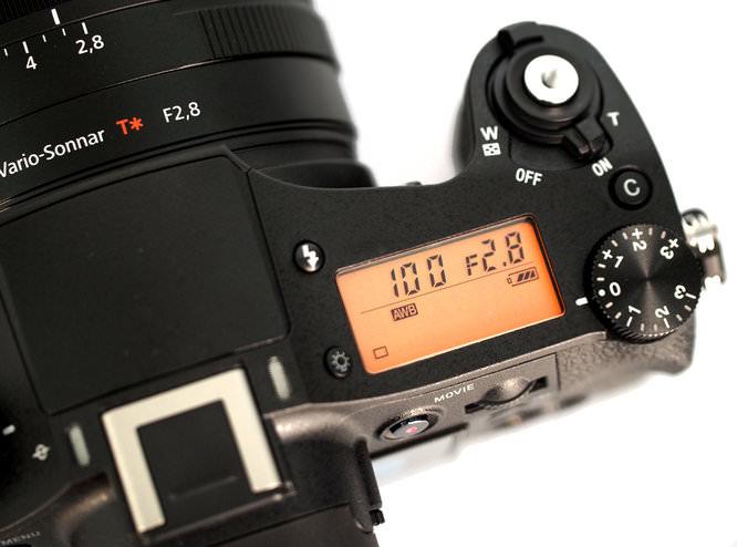 Sony Cyber Shot DSC RX10 (1)
