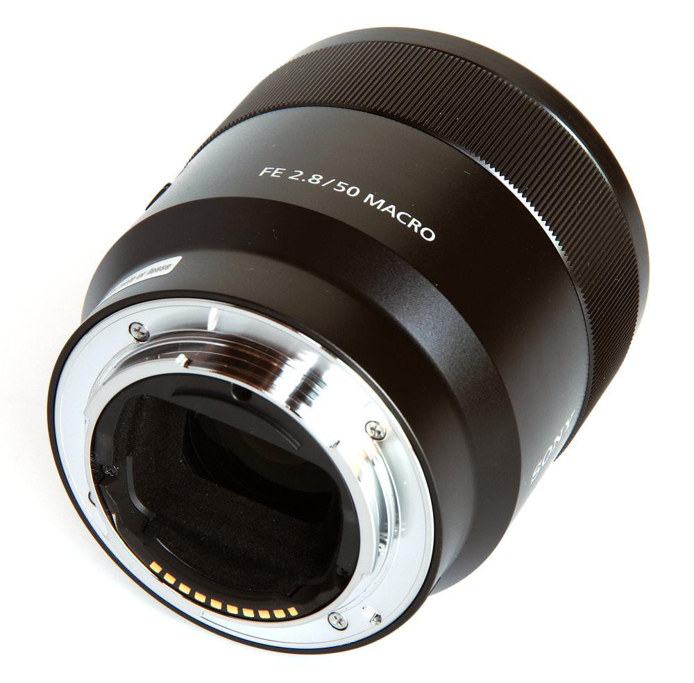 Sony Fe 50mm F2,8 Macro Rear Oblique View