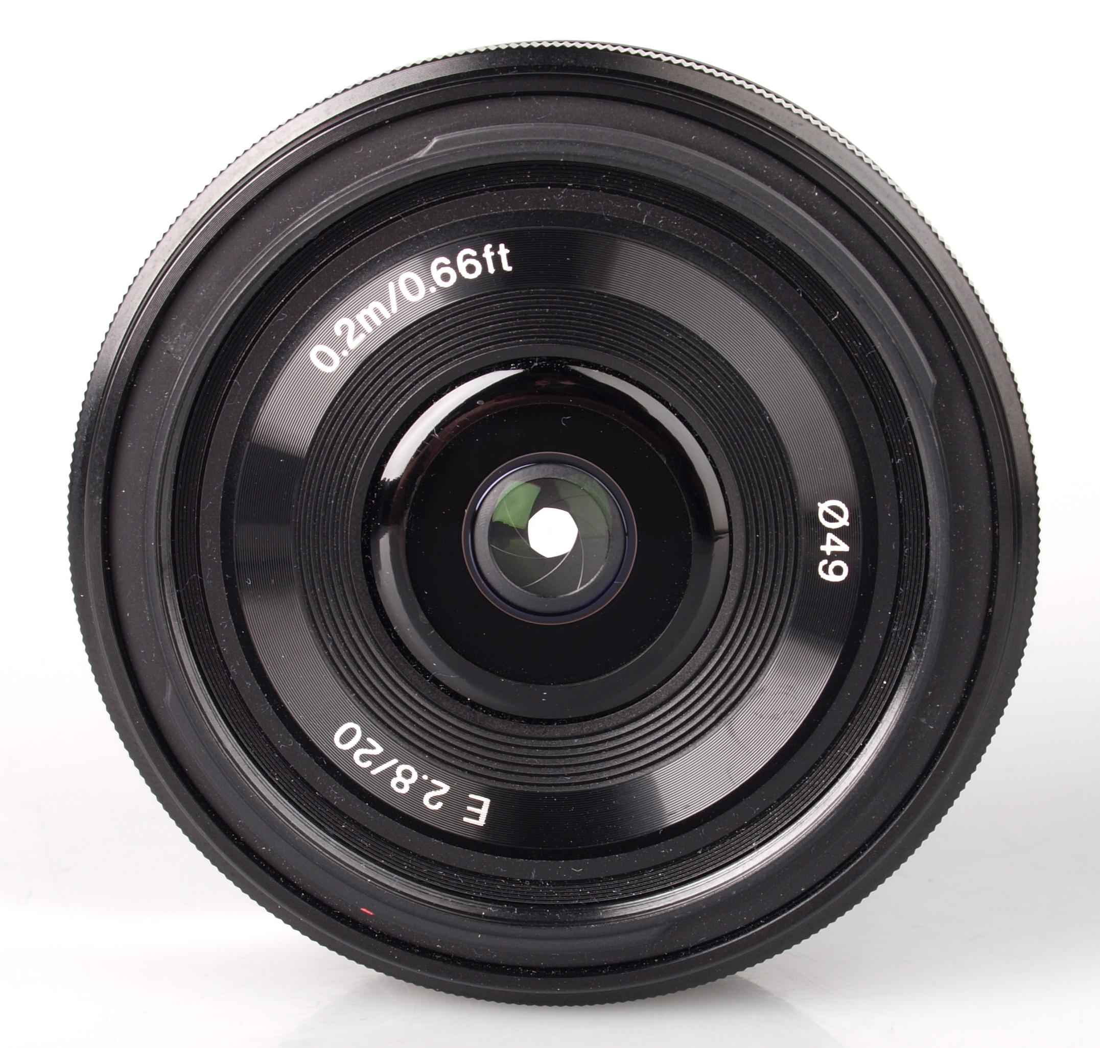 Sony NEX E 20mm f/2.8 ...