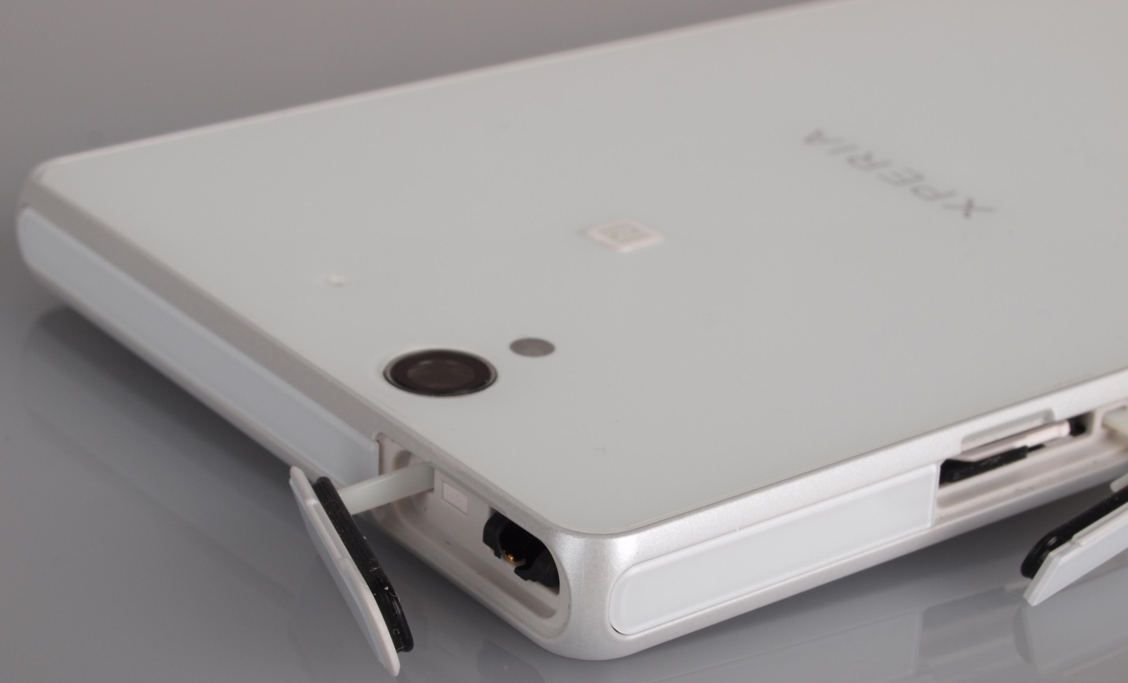 Sony Xperia Z Camera Phone Review
