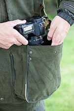 Large lower pocket of the EPS Suit