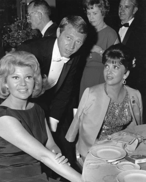 Steve McQueen, Rita Hayworth, Gina Lollobrigida - Hollywood - 1964, Catawiki