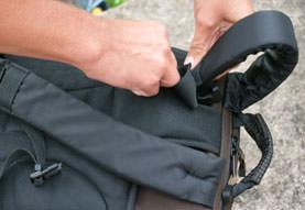 Tamrac Evolution 8 - hiding strap