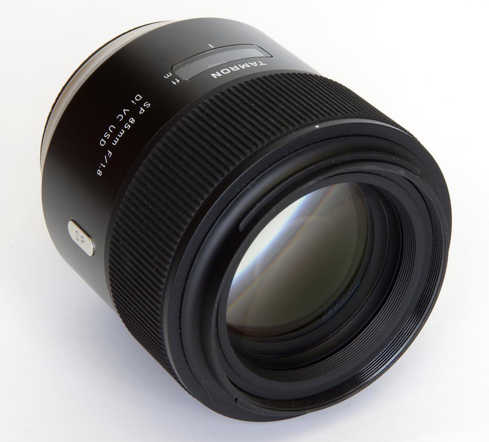 Tamron Sp 85mm F1,8 Front Oblique View