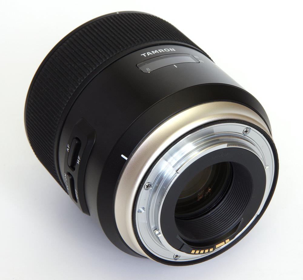Tamron Sp 85mm F1,8 Rear Oblique View