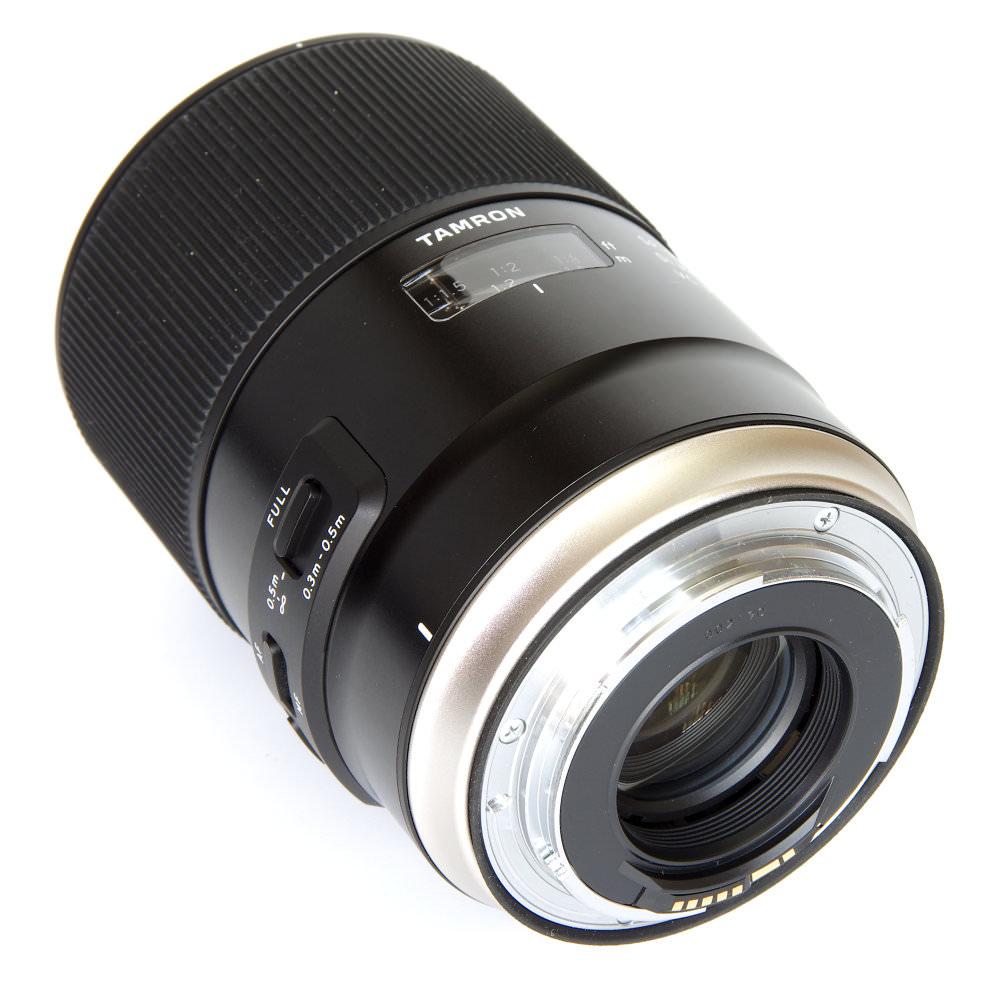 Tamron Sp 90mm F2,8 Macro Rear Oblique View