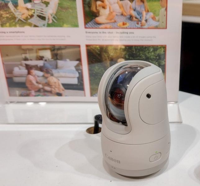 Canon social camera