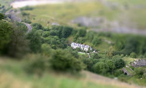 Tilt lens Photoshop effect - example 2