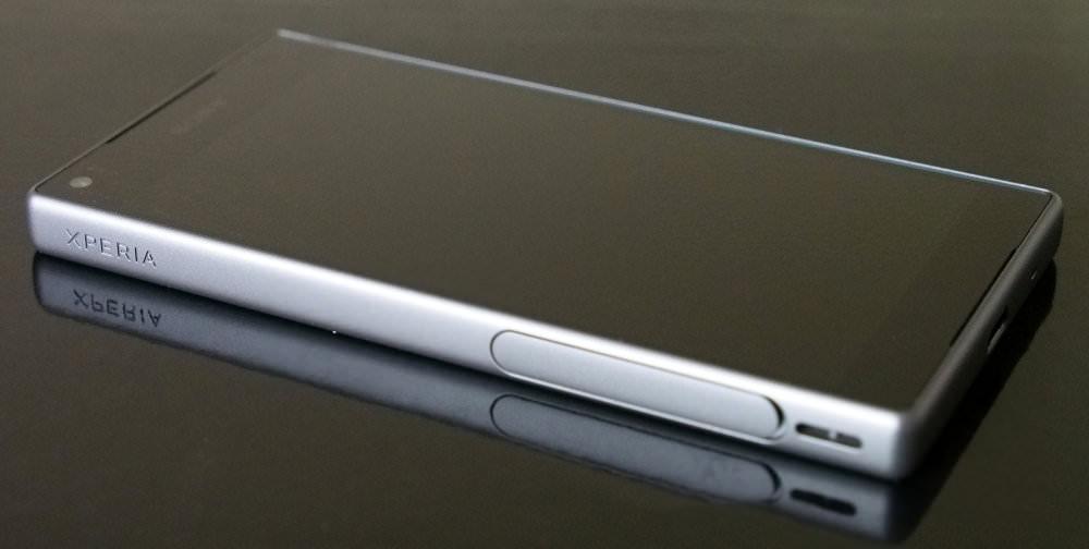 Sony XPERIA Z5 Compact (3)