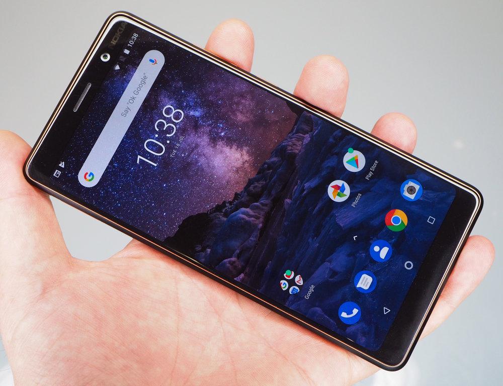 Nokia 7 Plus (2)