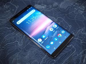 Top 10 Best Mid-range Smartphones For Photography 2019