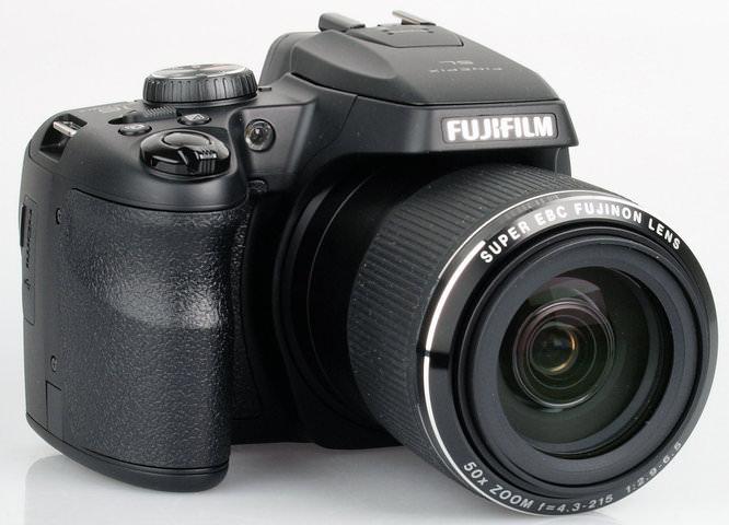 3rd: Fujifilm FinePix SL1000