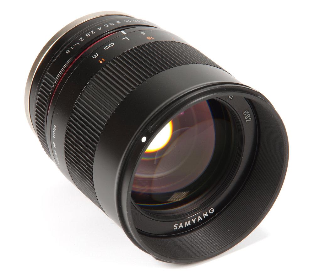 Samyang Mf 85mm F1,8 Front Oblique View