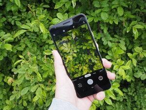 Top 13 Best Mid-Range Smartphones For Photography 2019