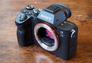 Top 14 Best Full-Frame Mirrorless Cameras 2019