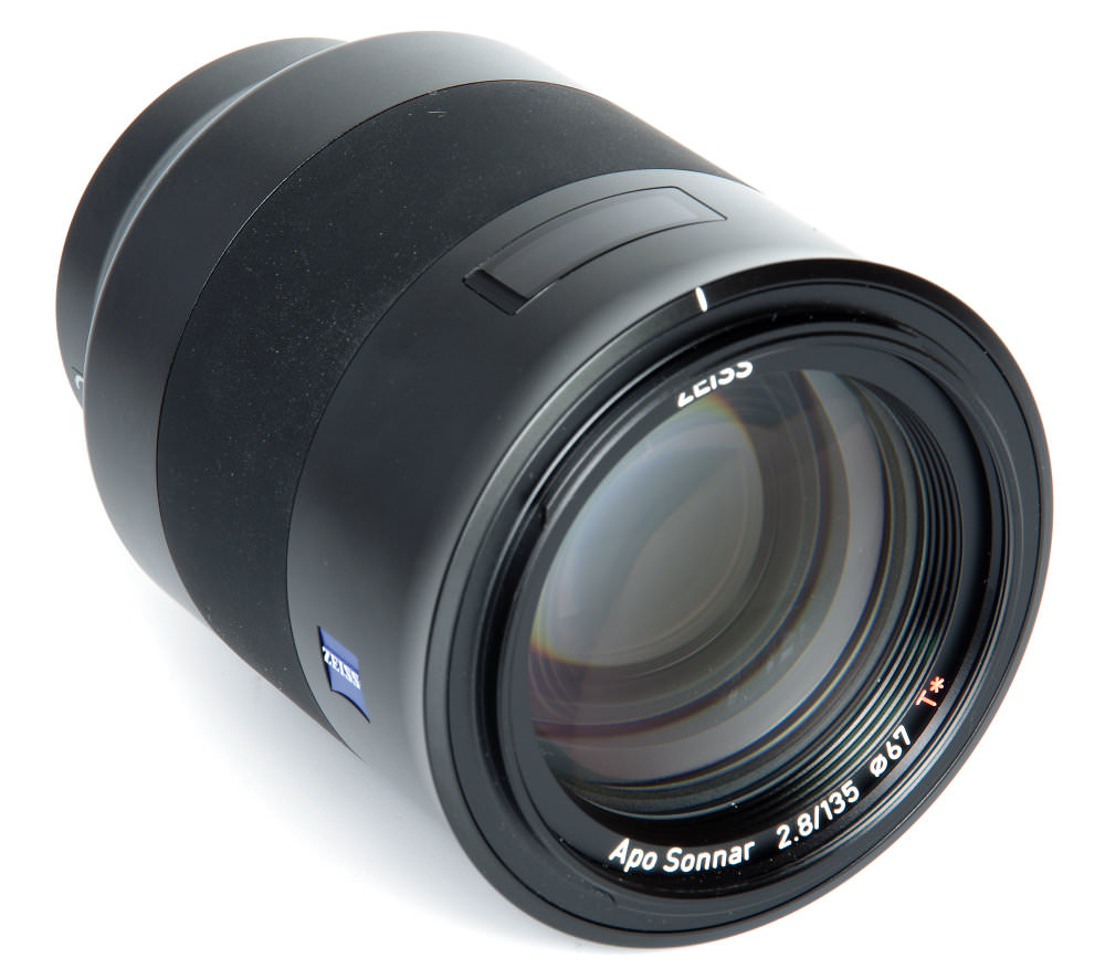 Zeiss Batis 135mm F2,8 Front Oblique View