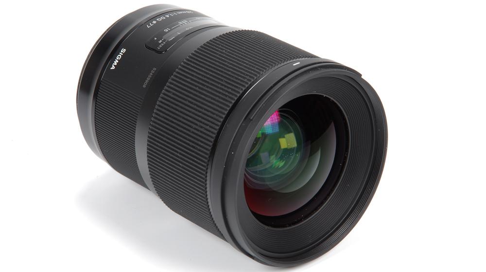 Sigma AF 28mm f/1.4 DG HSM Art Lens