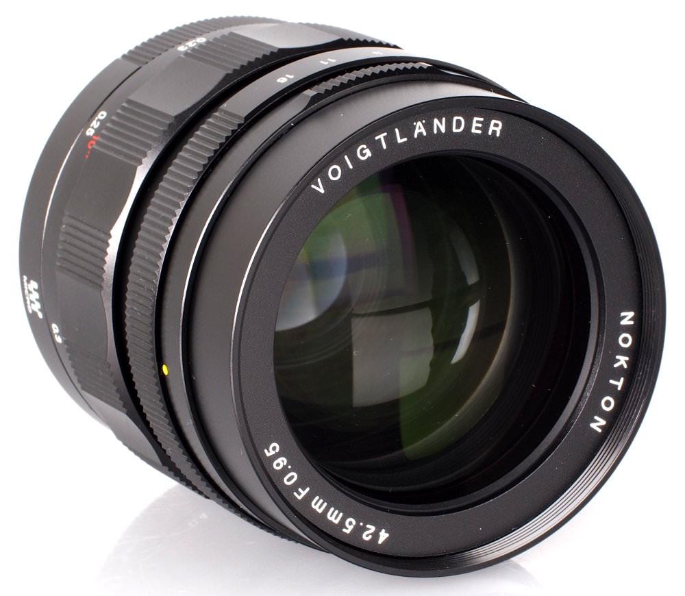 Voigtlander Nokton 42 5mm F 095 Mft Lens (9)
