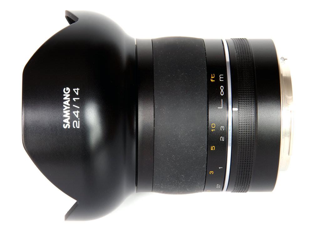 Samyang 14mm F2,4 Top View