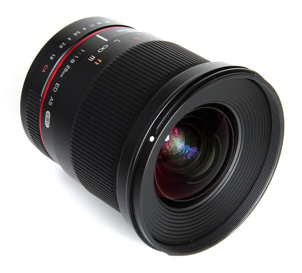Samyang 20mm F1,8 Front Oblique View