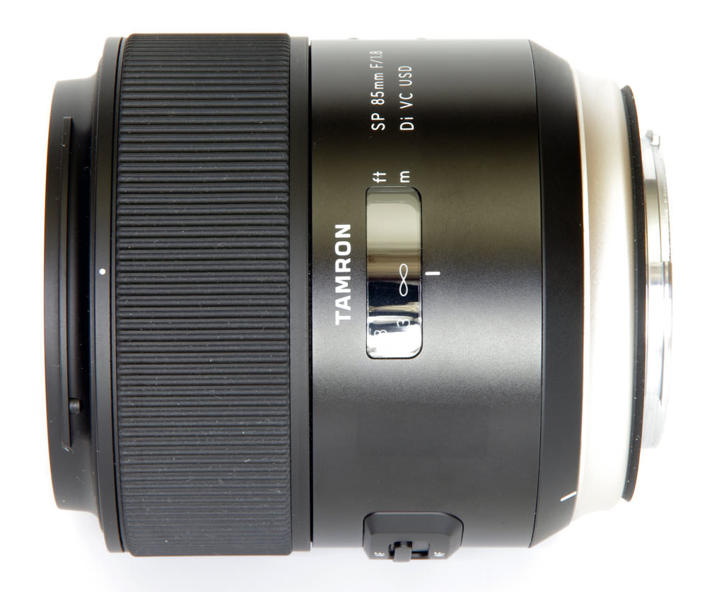 Tamron Sp 85mm F1,8 Side View