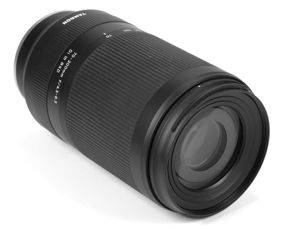 Tamron 70-300mm f/4.5-6.3 Di III RXD