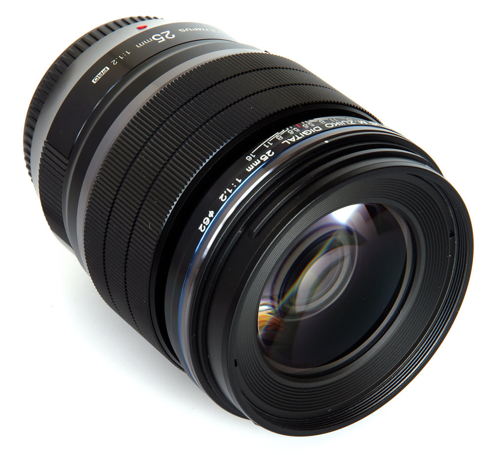 Olympus M.Zuiko 25mm f/1.2 PRO