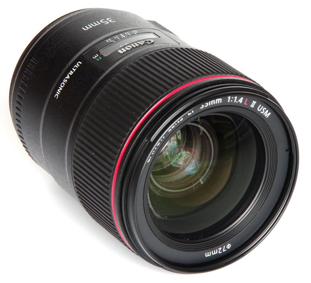 Canon 35mm F1,4 Oblique Front View